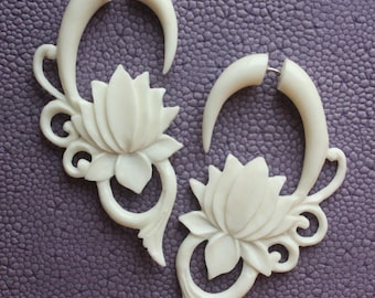 Fake Gauges - MALEE - Hand Carved Tribal Earrings - Flower Design - Natural White Bone