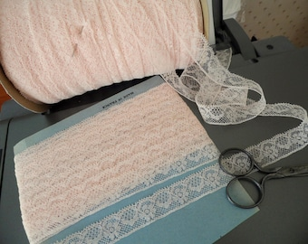 Fine Valenciennes lace of Calais pink from the 1960s coupon of 10 m 50
