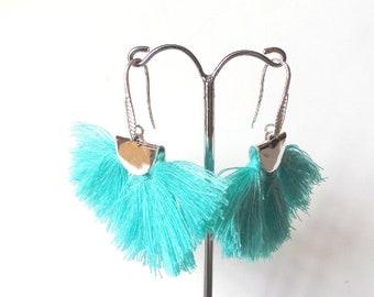 Boucles d'oreille pompon turquoise