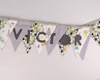 Guirlande fanions personnalisée prénom Victor Déco chambre bébé enfant jaune moutarde vert menthe gris banderole baptême personnalisable