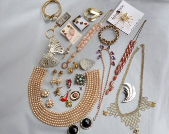 Lot of Vintage Jewelry for Arts and Crafts Jewelry Making Wear Sell, 30+ Pieces