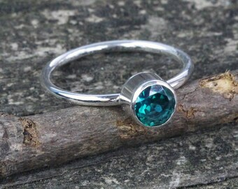 Green topaz ring / sterling silver ring / gemstone ring  / topaz  stacking ring / statement ring / gift for her / jewelry sale / solitaire