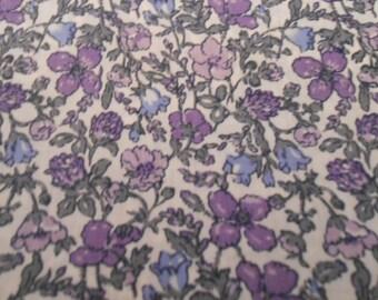 Mauve / Purple Cotton Print Vintage Fabric