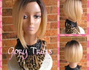 ON SALE // Celebrity Inspired Short Bob Wig, Ombre Platinum Blonde Bob Wig, Yaki Straight Bob Full Wig, Lace Parting// GREAT