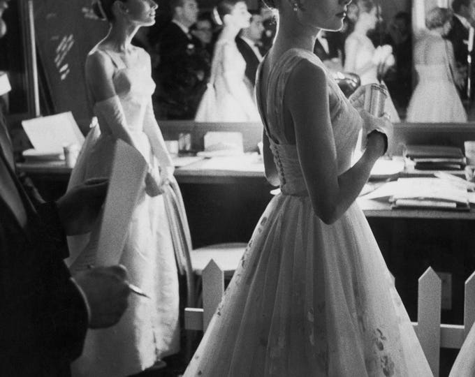 Audrey Hepburn and Grace Kelly Backstage at the 1956 Oscars - 5X7, 8X10 or 11X14 Publicity Photo (AZ212)