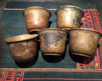 5 tasses à thé bronze Birmanie bouddhiste de grotte de Pindaya région de Birmanie