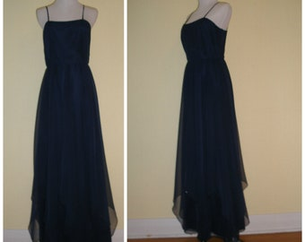 70s-80s navy maxi gown. Halter gown, spaghetti straps, beautiful flowy chiffon high low skirt, perfect event or bridesmaid dress, size S.