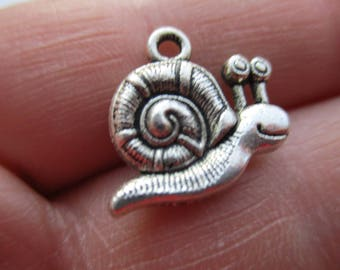 Set of 8 Snails Charms