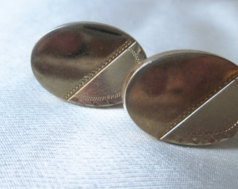 1960s American Unsigned Oval Coppertone/Goldtone Cuff Links.Christmas Gift, Kwanzaa Gift, Birthday Gift, Wedding Attendant Gift