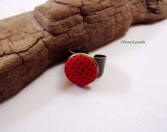 """""""Dots"""" cotton fabric cabochon ring. (red)"""