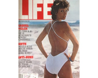 1982 Life Magazine Raquel Welch Cover July Issue Vintage Epherma /Collage/Collectors/Vintage Ads/Decoupage/5 Dollar Canada Shipping