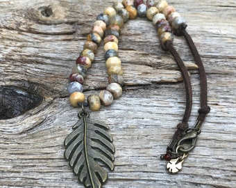 Jasper knotted necklace/gemstone boho necklace/hand knotted/leaf pendant/suede cord/short necklace/jasper faceted beads boho jewelry