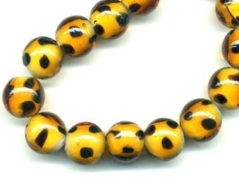 2 beads 12 mm glass - ochre black