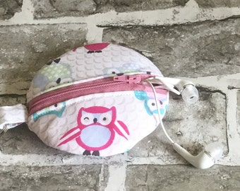 Owl lover gift, earbud pouch, headphone case, owl gift, keychain pouch, crafters gift, headphone pouch, money pouch, stitch marker holder