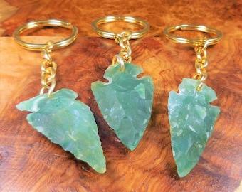 Arrowhead Keychain - Green Aventurine Carved Crystal Arrow Head Charm - Raw Gemstone Key Chains (LR43) Healing Crystals and Stones Jewelry