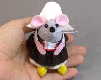 Dutch Mouse  - collectable art rat artists mice felt mouse cute soft sculpture toy stuffed plush doll - Anouk the little mouse with clogs on