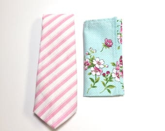 """The """"Why Am I Eating the Daisies?"""" Tie and Square Pack"""