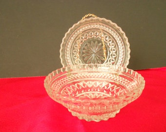 Two vintage Wexford glass bowls made by Anchor Hocking