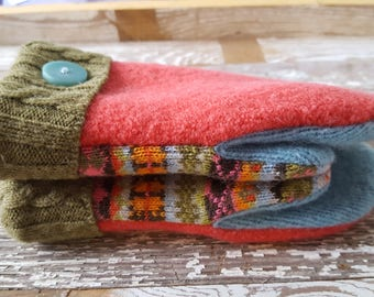 Reclaimed Child SZ 4 Wool blend Sweater Mitten