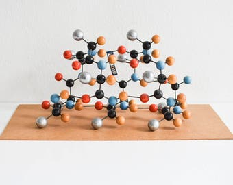 Molecular model, chemistry model, atom model, lab supply, teaching material, home decor, decoration, gamma helix