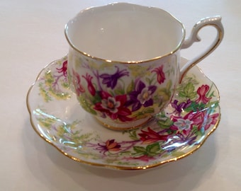 Vintage Pretty  Royal Albert Columbine  pattern  bone china England Teacup and Saucer with gold trim