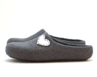 Women house shoes - felted wool slippers - Mothers day gift  - grey slippers with white heart - gift for her - wedding shoes - wool clogs