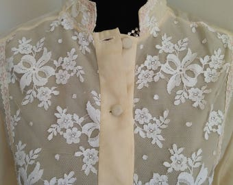 Blouse cream with lace vintage hand made