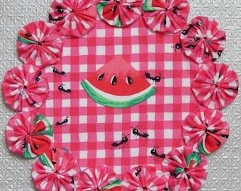 """Watermelon Picnic Ant 8.5"""" Yo Yo Doily"""