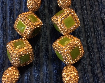 Many luminodi and elegant handmade earrings