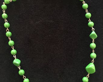 Green vintage bead necklace