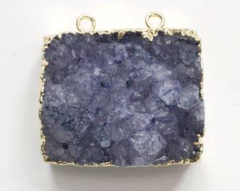 Bleu pendentif en agate Druzy avec électrolytique en laiton, bleu agate avec un cadre doré, pendentif en agate bleue avec deux boucles 32x28mm