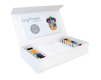Gryffindor-Cross Stitch Kit - Stitchering Box - organisiert Materialien von höchster Qualität - perfekt für Anfänger und erfahrene Craftiers