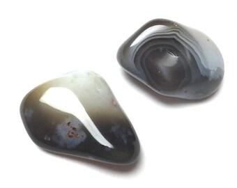 Tumbled Botswana Agate Stones. Undrilled Gemstone. Altar Stone. Matrix Stone. Reiki Stone. Wire Wrapping Stone. 30mm-35mm. One (1)