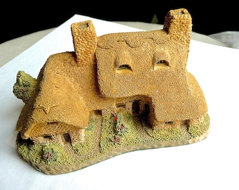 Vintage Sculpture - David Winters Cottages - Traditional Cottage Sculpture - Meadowbank Cottage - Hand Made Pottery House - Hand Painted