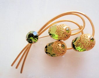 Sarah Coventry Vintage Brooch, 1970's Beautiful Peridot colored  brooch