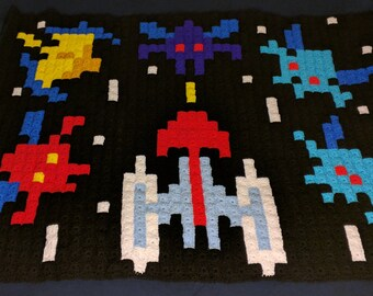 Galaxian 80s Arcade Game Pixel Blanket