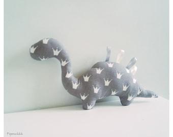 Decoration / grey crowns dinosaur blanket white
