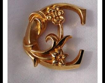Vintage Avon Gold tone letter C pin/brooch