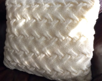 Chunky cable cushion, hand knit cushion, decorative cushions, chunky cushion.