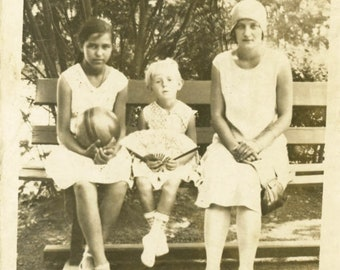 vintage photo 1929 Flapper Mom Little Girl holds Fan Friend w Rubber Ball