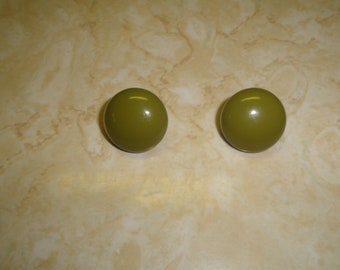 vintage clip on earrings olive green metal