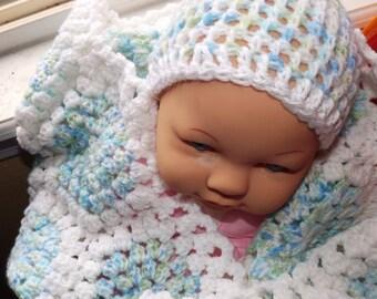 Baby Blanket set. Balnket, Hat and booties.