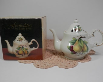 "Vtg 5"" Porcelain China Potpourri Lid Tea Pot Baum Bros Formalities Collection Pear Fruit Motif White Gold Trim Miniature Room Display Gift"