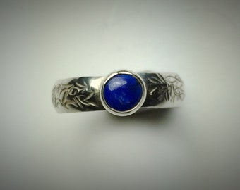 Sterling silver and lapis ring