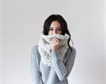 Chunky Knit Lace Cowl. Neckwarmer. Snood. circle scarf // Le Port - WHEAT