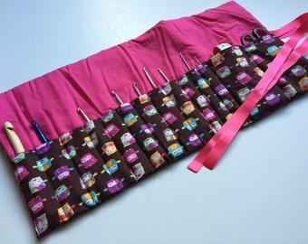 Crochet roll (owls brown pink)