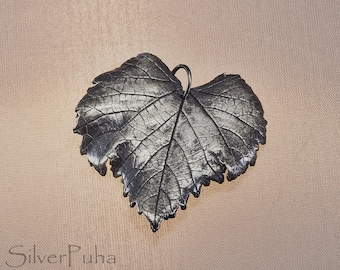 Large grape silver leaf pendant