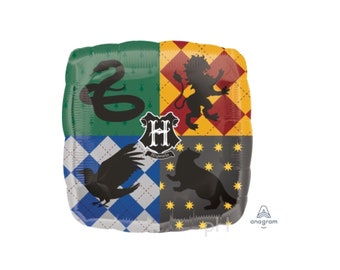 Harry Potter Balloon, Hogwarts Crest Emblem Balloon. HArry POtter party