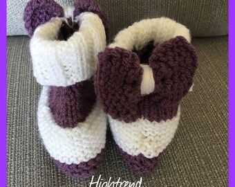 Baby Girls booties with bow on the back