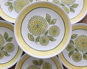 Vintage salad plates yellow and green chrysanthemums stylized flowers set of 6